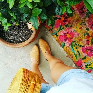 Shoes - 🆕//The Alexandria// Tan ankle flats